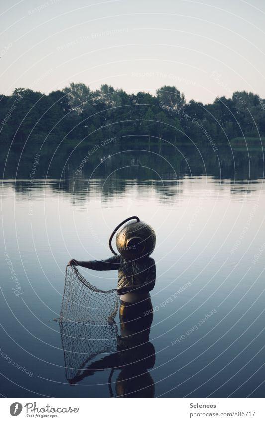 Buttje Buttje in der See Mensch 1 Umwelt Natur Landschaft Himmel Wolkenloser Himmel Sommer Küste Seeufer Flussufer Bach Helm tauchen nass natürlich Taucher