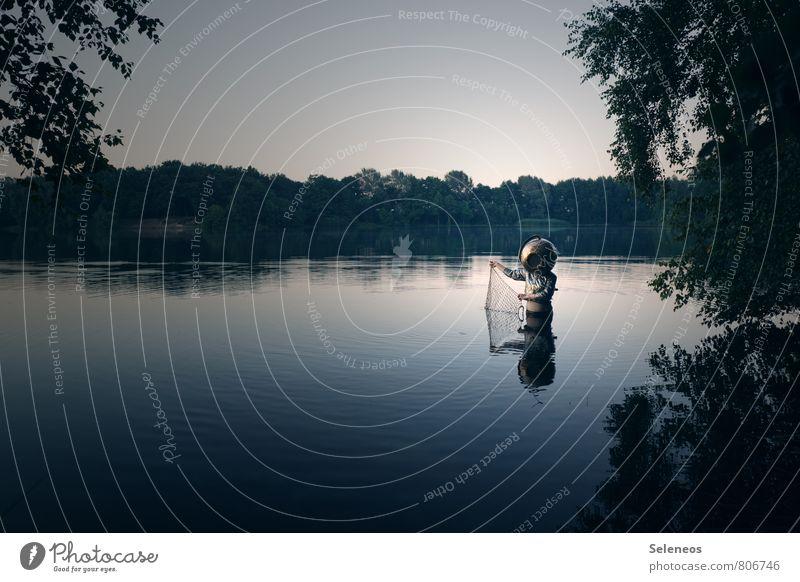 auftauchen Angeln Ausflug Abenteuer Sommer Mensch 1 Umwelt Natur Landschaft Wasser Himmel Wolkenloser Himmel Horizont Baum Seeufer Flussufer Bach Helm nass