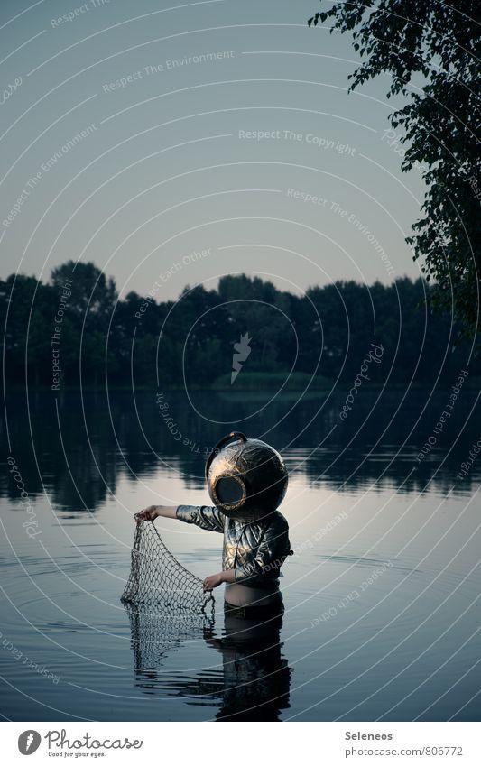 Fischers Fritze fischt frische Fische Mensch 1 Umwelt Natur Wasser Wolkenloser Himmel Küste Seeufer Flussufer Helm Taucherhelm Schwimmen & Baden nass natürlich
