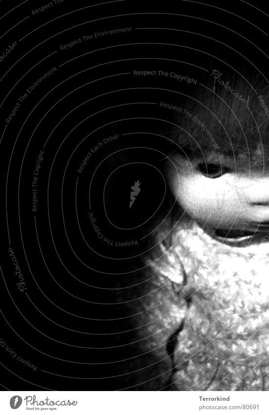 Horrorshow Frau weiß schwarz Auge dunkel Haare & Frisuren Angst verrückt trist Kleid gruselig Puppe Panik Hälfte Seele Schaufensterpuppe
