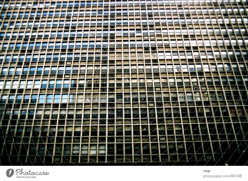 New York Windows Stadt Haus Fenster dreckig Glas Hochhaus hoch Perspektive Fensterscheibe New York City frontal Fluchtpunkt