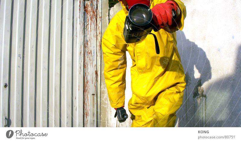 gelb™ got you on tape Freude gelb grau gehen laufen Kommunizieren Fotokamera Maske vorwärts Anzug obskur Karnevalskostüm Linse Objektiv Arbeitsbekleidung Arbeitsanzug