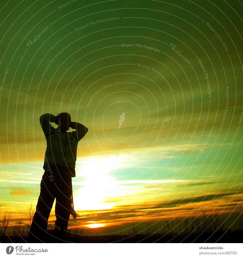 Capoeira - Trotz Kälte - Dia 3 Mensch Natur Sonne grün Freude Wolken gelb Sport springen Spielen Bewegung Landschaft Tanzen groß Aussicht Sträucher