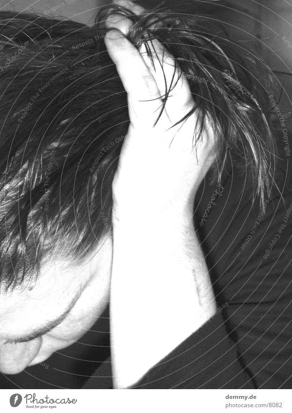 Haarezupfen II Mensch Haare & Frisuren Schwarzweißfoto kaz