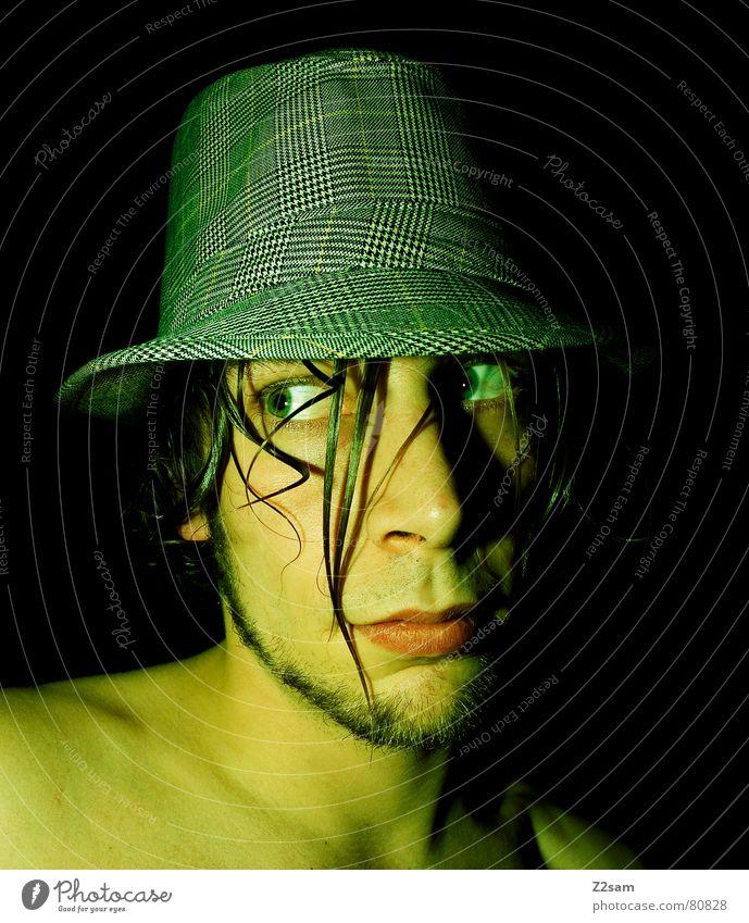 looks as green Mensch Mann grün Gesicht Stil Haare & Frisuren Kopf nass Bart Hut Langeweile Kopfbedeckung