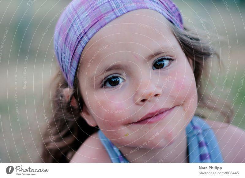 noch n eis bitte! Mensch Kind blau Mädchen Gesicht Auge feminin Stil Haare & Frisuren Gesundheit Kopf träumen Freizeit & Hobby Körper Kindheit warten