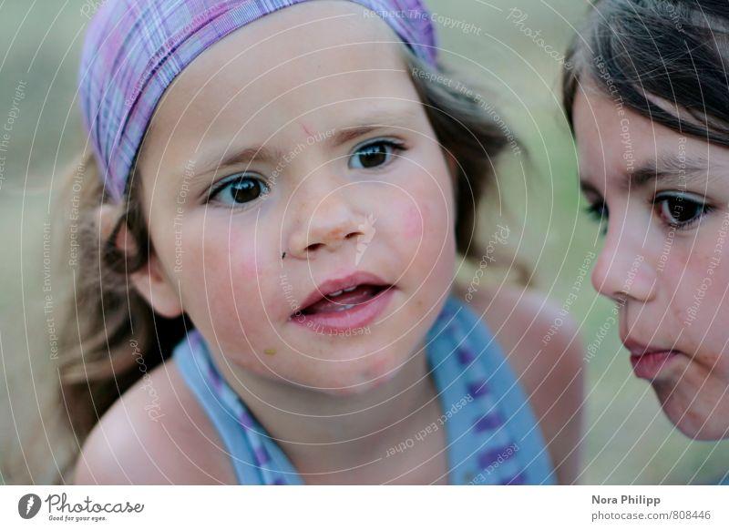 you are my sister Mensch Kind schön Mädchen Gesicht Auge feminin sprechen Spielen Haare & Frisuren Glück Kopf Zusammensein Familie & Verwandtschaft Kindheit
