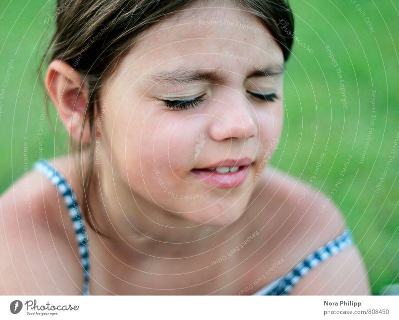 warm my soul Mensch Kind grün Mädchen Gesicht Leben feminin Haare & Frisuren Kopf Angst Körper Kindheit frisch Macht Neugier 8-13 Jahre