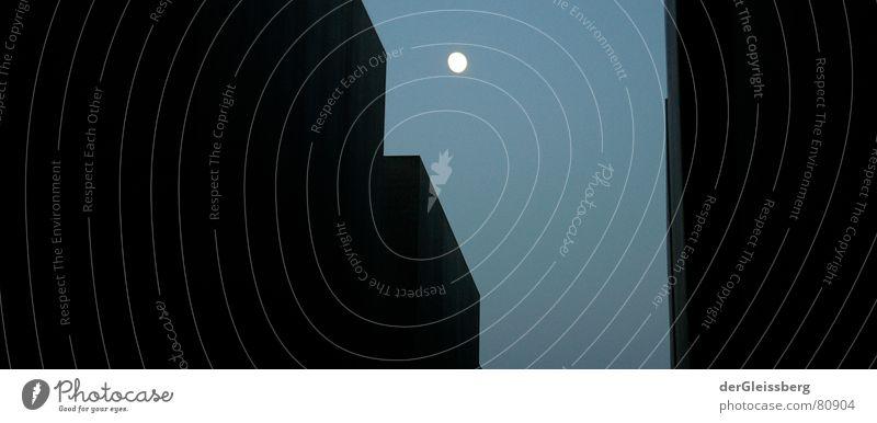 Hoffnungsschimmer Granit Block Massenmord verhaftet planen gefangen ruhig dunkel hilflos schwarz Licht Denkmal Himmelskörper & Weltall Angst Planet gefährlich
