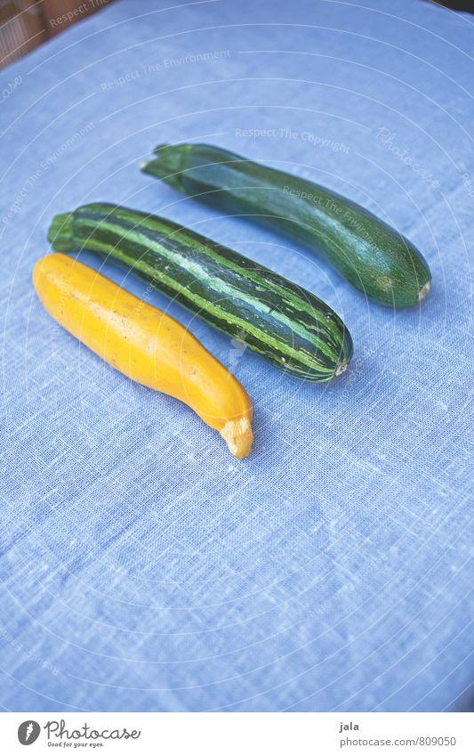 dreierlei Lebensmittel Gemüse Zucchini Ernährung Bioprodukte Vegetarische Ernährung Gesunde Ernährung frisch Gesundheit lecker natürlich Farbfoto Innenaufnahme