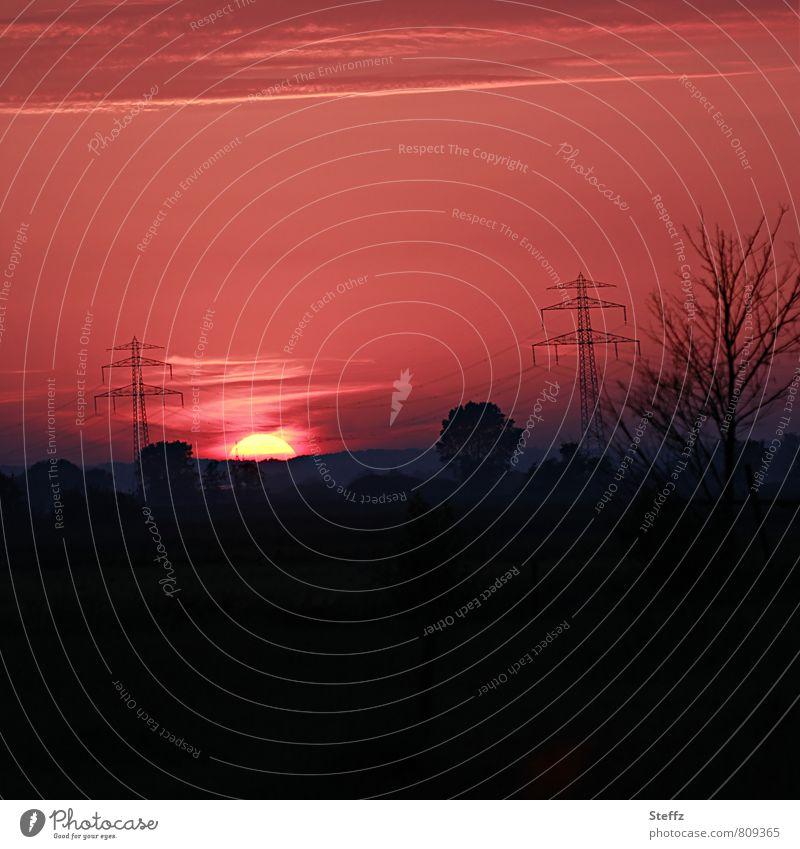 Abendstimmung in Niedersachsen Himmel Natur Sommer ruhig Landschaft Stimmung Horizont Deutschland Feld Energie Schönes Wetter Aussicht Romantik Sehnsucht Abenddämmerung Strommast
