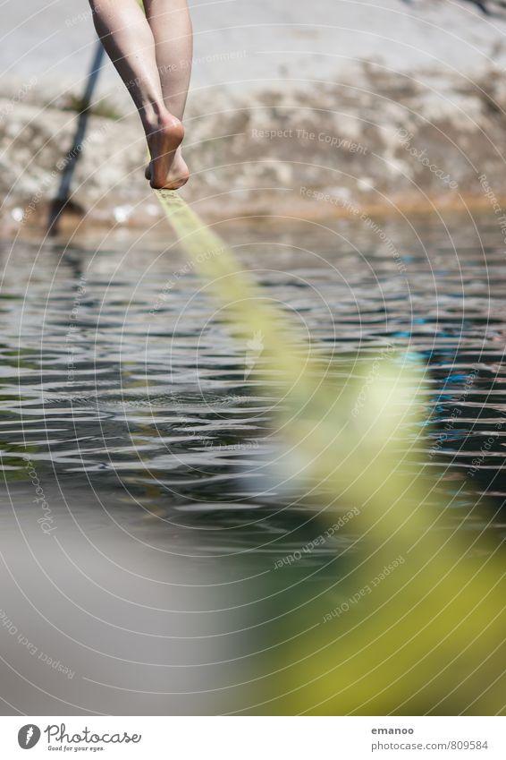 waterline Mensch Frau Natur Ferien & Urlaub & Reisen Jugendliche Wasser Sommer Meer Landschaft Freude Erwachsene Sport Stil gehen Beine Fuß
