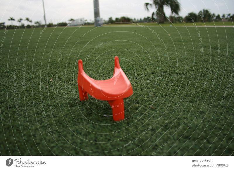 The Kick Nahaufnahme American Football Kraft grass punt football field trees soccer sports
