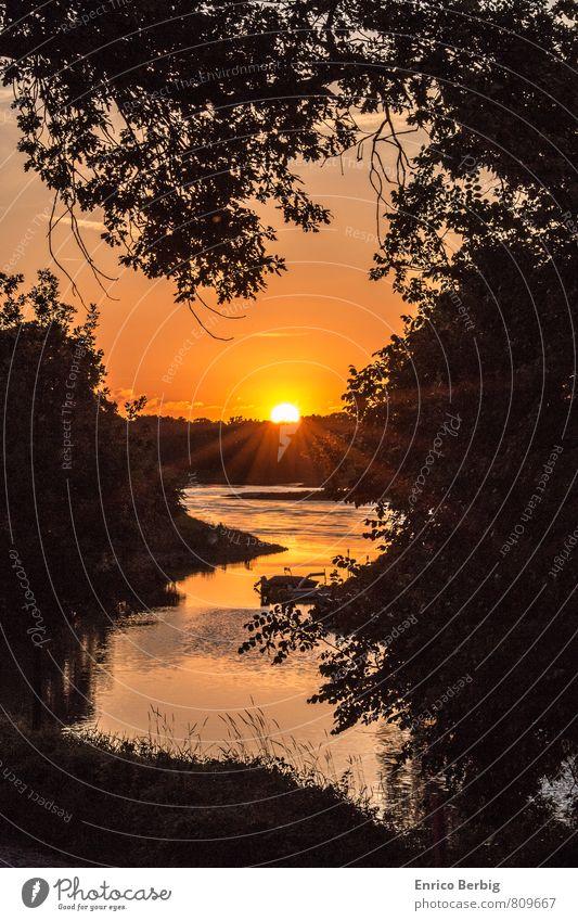 Sonnenuntergang Natur Landschaft Wasser Himmel Sonnenaufgang Sonnenlicht Sommer Schifffahrt Binnenschifffahrt Gefühle Stimmung Freude Glück Fröhlichkeit