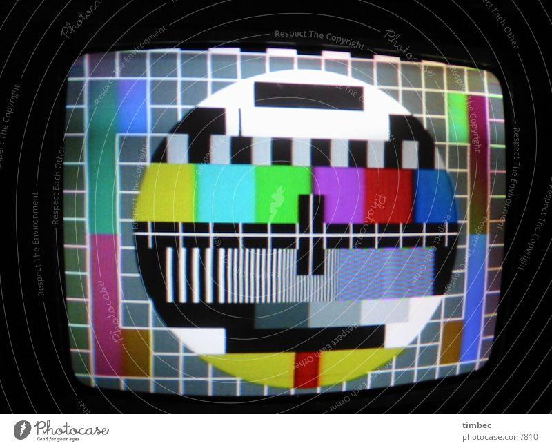 Testbild Fernseher Nacht Streifen Innenaufnahme Elektrisches Gerät Technik & Technologie fernseher testbild Versuch Bild