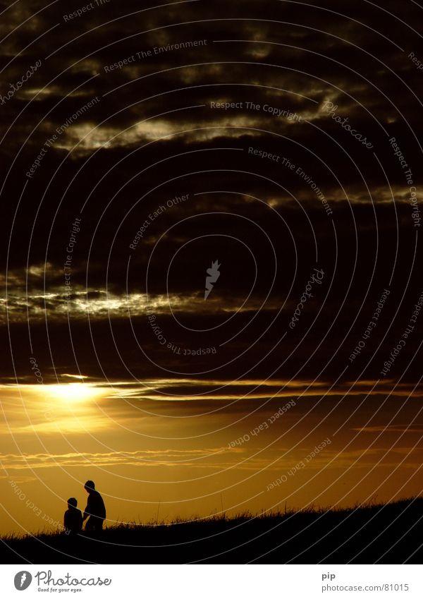 Noch 10 Min und ab ins Bett! Zusammensein Zusammenhalt Kind Erinnerung Junge 2 Freundschaft Spielen Sommer Ferien & Urlaub & Reisen Sonnenuntergang Wolken