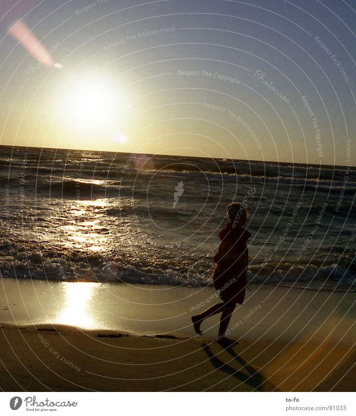 sonnenstich Wasser Himmel Sonne Meer Sommer Freude Strand Ferien & Urlaub & Reisen Erholung Sand Stimmung Küste verrückt Fernweh Abenddämmerung