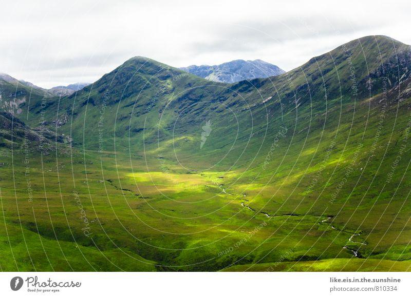 hinter den sieben Bergen... Natur Ferien & Urlaub & Reisen Pflanze Sommer Erholung Einsamkeit Landschaft ruhig Wolken Ferne Umwelt Berge u. Gebirge Gras
