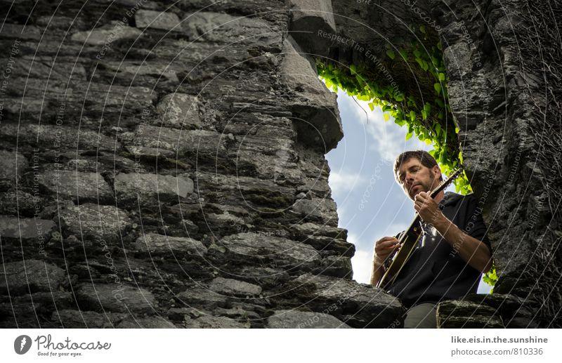 PRINZESSIN! wo bleibst du!? Ferien & Urlaub & Reisen Jugendliche Mann Erholung ruhig Junger Mann Fenster Erwachsene Gefühle Liebe Mauer Freizeit & Hobby