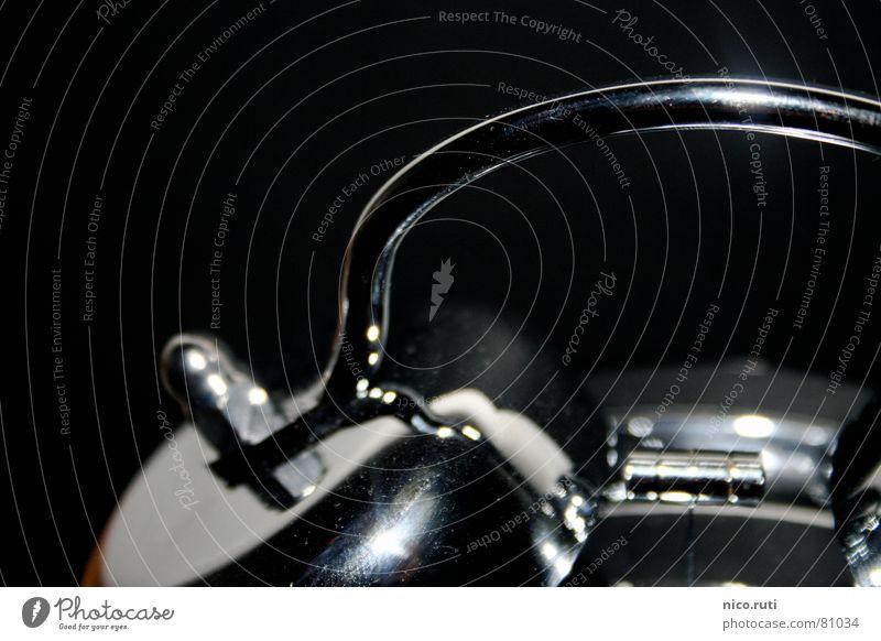 Retro-Wecker alt schwarz träumen glänzend Zeit schlafen modern neu retro Uhr Müdigkeit silber Griff Abenddämmerung antik Klingel