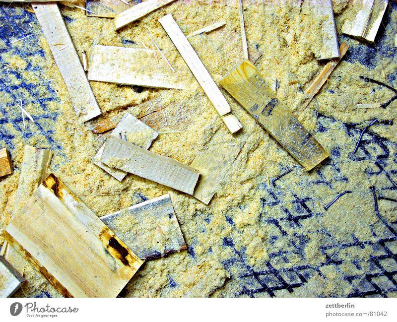 Heizperiode II Sägemehl Holz Brennholz Nutzholz Sekundärrohstoff nachwachsender Rohstoff Holzleiste sägespäne Holzbrett Rest Späne Müll