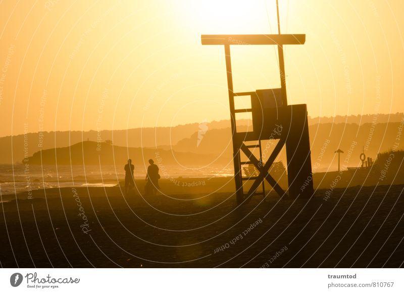 Baywatch Mensch Wasser Sommer Sonne Meer Erholung Landschaft Strand Ferne gelb Küste Freiheit Sand Stimmung Idylle Wellen