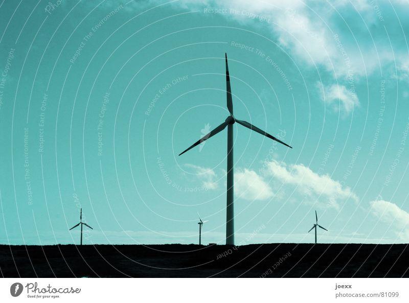 Sternenhimmel Himmel blau Wolken Umwelt Energiewirtschaft Elektrizität Technik & Technologie Windkraftanlage Schönes Wetter Umweltschutz nachhaltig Erneuerbare Energie