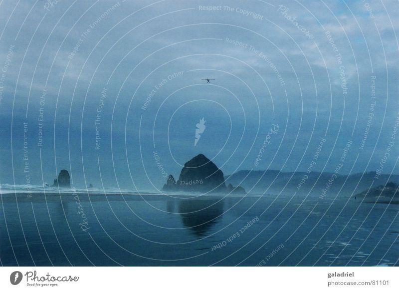 Haystack Rock Pazifik Cannon Beach Strand Meer dunkel Flugzeug haystack rock blau Wasser
