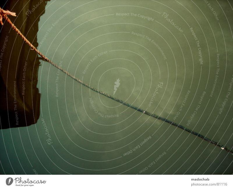 BITTE ABLAUFEN LASSEN Trawler entdecken Drossel Wasserfahrzeug Wasseroberfläche Reflexion & Spiegelung grün braun Seil ankern Wolken Himmel Schifffahrt Küste