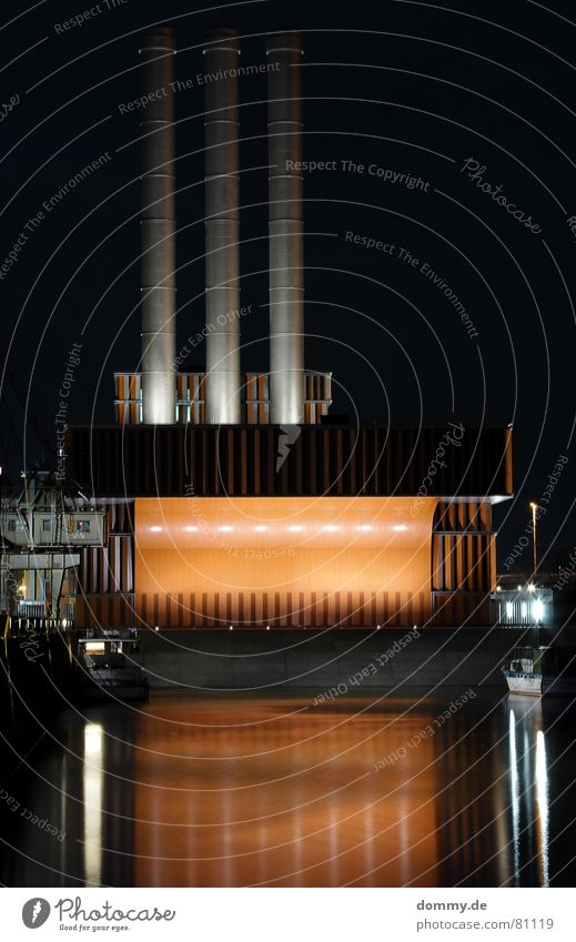 reflection alt schwarz dunkel Wärme orange Metall Küste Fluss Turm Physik Hafen Main silber Bayern Schornstein