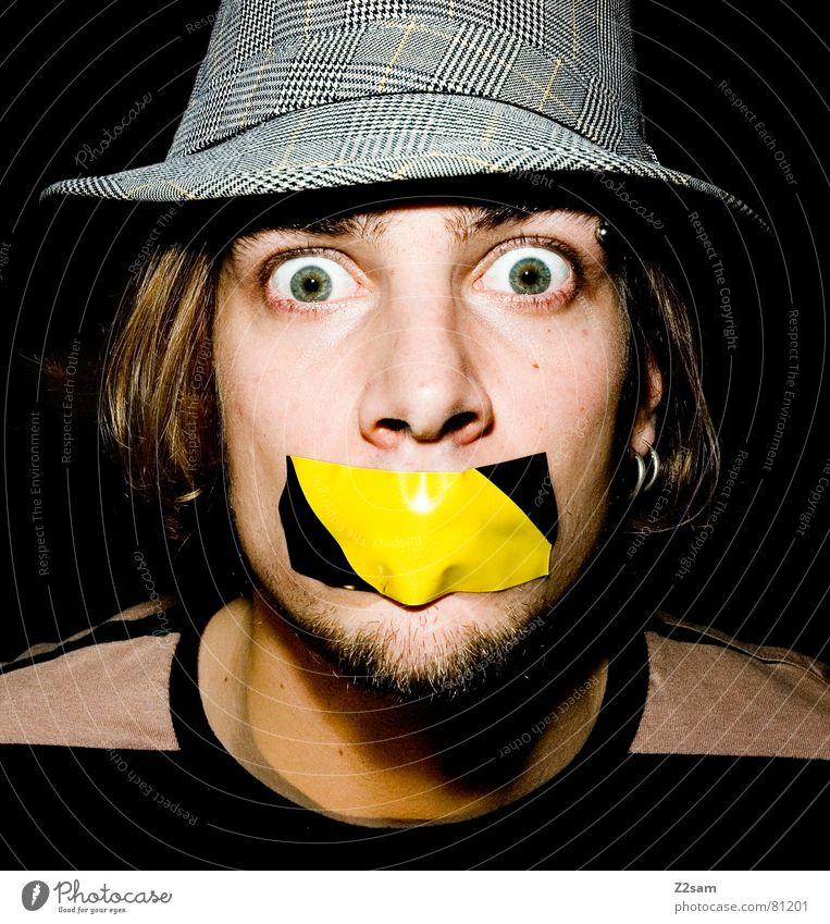 hilfeschrei gezwungen gefesselt geknebelt Klebeband schreien kleben Mensch Streifen Bart Schrecken Stil Mann hat mund zu man portraite Mund Auge offen Gesicht