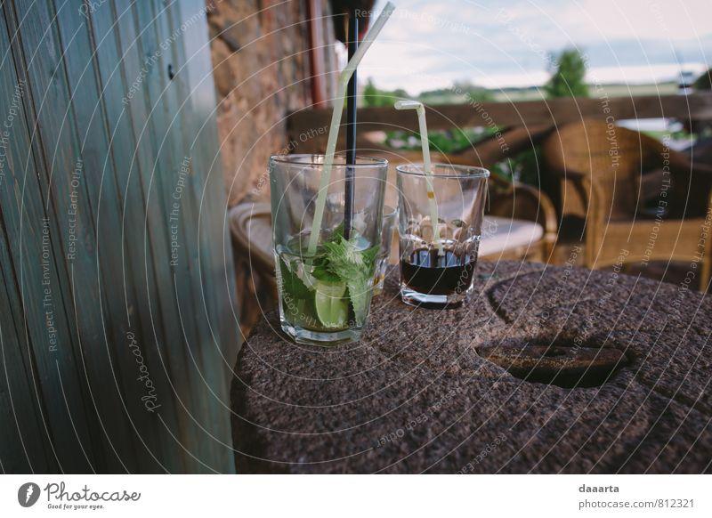 Natur Freude lustig Stil Feste & Feiern Party Lifestyle dreckig elegant modern Glas verrückt genießen Getränk beobachten einfach