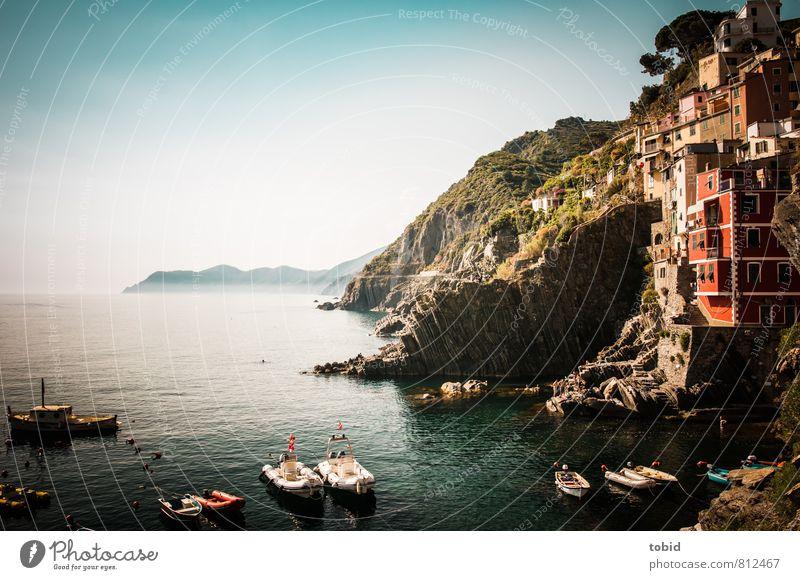 Bella Italia Ferien & Urlaub & Reisen Tourismus Sightseeing Sommer Sommerurlaub Sonne Meer Wolkenloser Himmel Schönes Wetter Hügel Felsen Wellen Küste Bucht