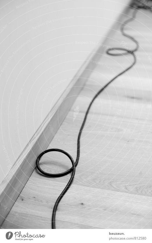 never ending story. Haus Holz Linie liegen Energiewirtschaft Büro Energie Technik & Technologie Beginn Kommunizieren Bodenbelag Wandel & Veränderung Unendlichkeit Kabel Ziel Kunststoff