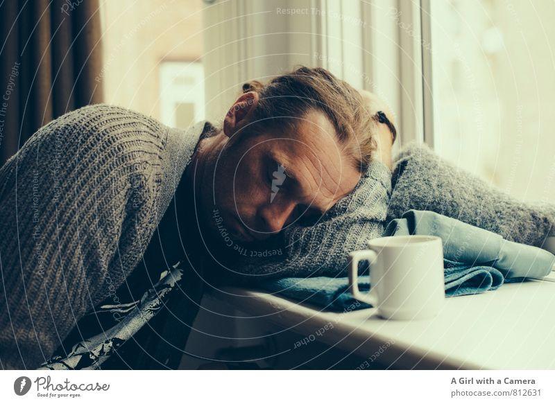 schnarch Mensch maskulin Mann Erwachsene Leben 1 30-45 Jahre schlafen Erschöpfung Langeweile Müdigkeit Kaffeepause Fensterbrett Innenaufnahme