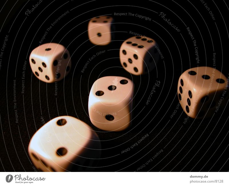 Tag des Würfels 3 schwarz Makroaufnahme Nahaufnahme Ziffern & Zahlen