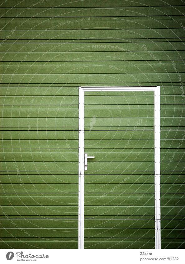 tür im tor II Garagentor Holz Fenster Streifen umrandet grün einfach Durchgang Eingang Griff glänzend abstrakt graphisch modern Lamelle Tür Tor Rahmen