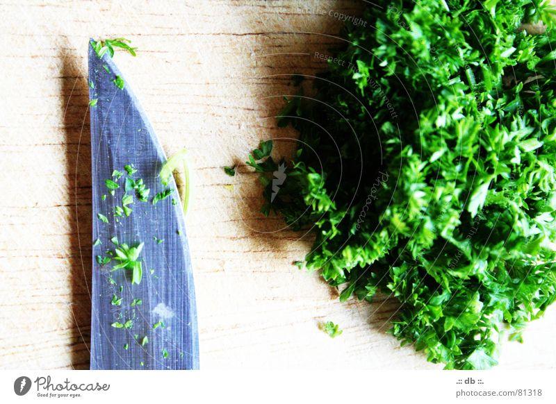 .:: PETERsilie ::. grün Kochen & Garen & Backen Küche Gemüse Holzbrett Messer geschnitten Petersilie