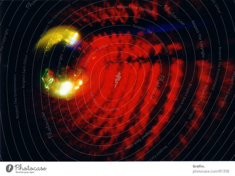 Discofever ist genau mein Ding rot Freude schwarz dunkel Bewegung Musik Tanzen glänzend Disco Kugel Konzert silber Tanzfläche Lichtstrahl schwofen Streulicht