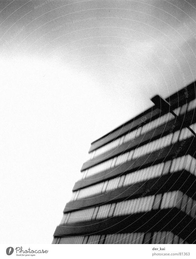 200 Motels Himmel Haus schwarz Wolken Architektur Hochhaus Laterne Lomografie 1999