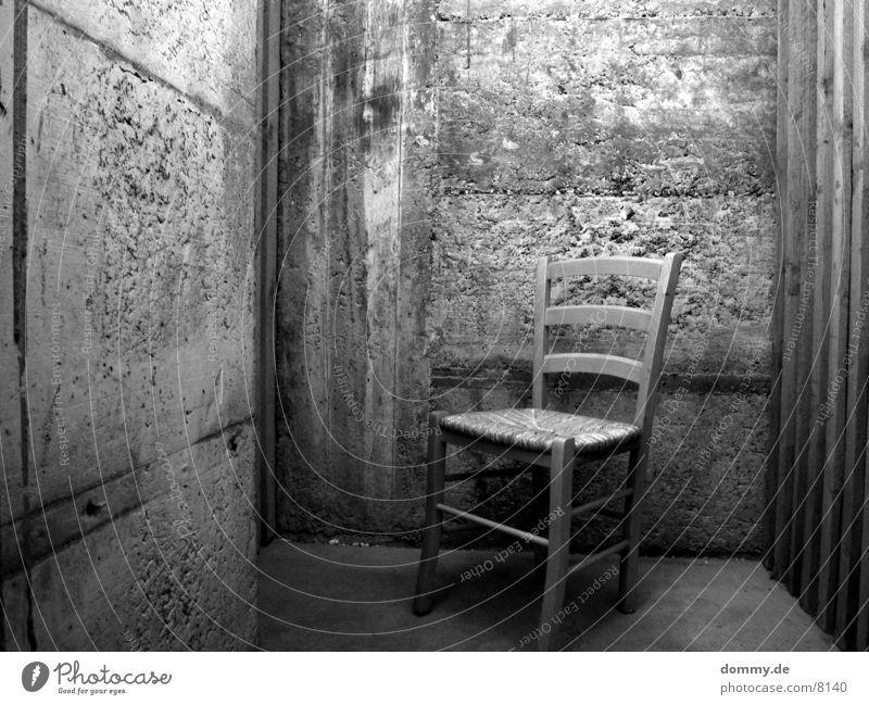 bitte nehmen Sie platz 2 schwarz Stuhl Häusliches Leben Keller