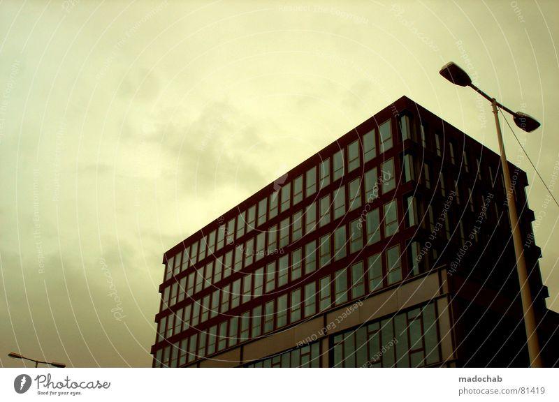FAKE REALISM Himmel Stadt blau Wolken Haus Fenster Leben Architektur Gebäude Freiheit fliegen oben Arbeit & Erwerbstätigkeit Wohnung Design Wetter