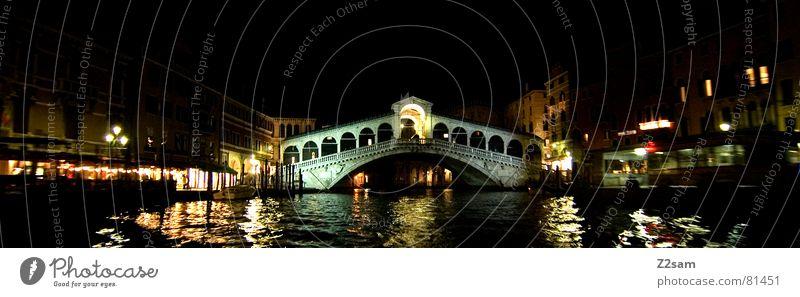 rialtobrücke Rialto-Brücke Italien Venedig Wasserfahrzeug Licht Nacht dunkel Belichtung Laterne Reflexion & Spiegelung venezia Abend water italian