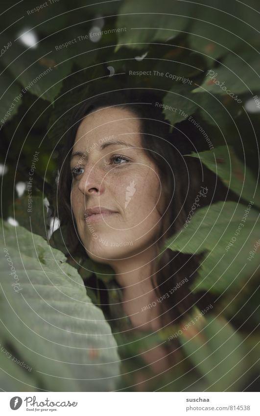 jala in suschaatown I Mensch Frau Natur Jugendliche schön grün Sommer Junge Frau 18-30 Jahre Gesicht Erwachsene Auge feminin Haare & Frisuren Kopf Körper