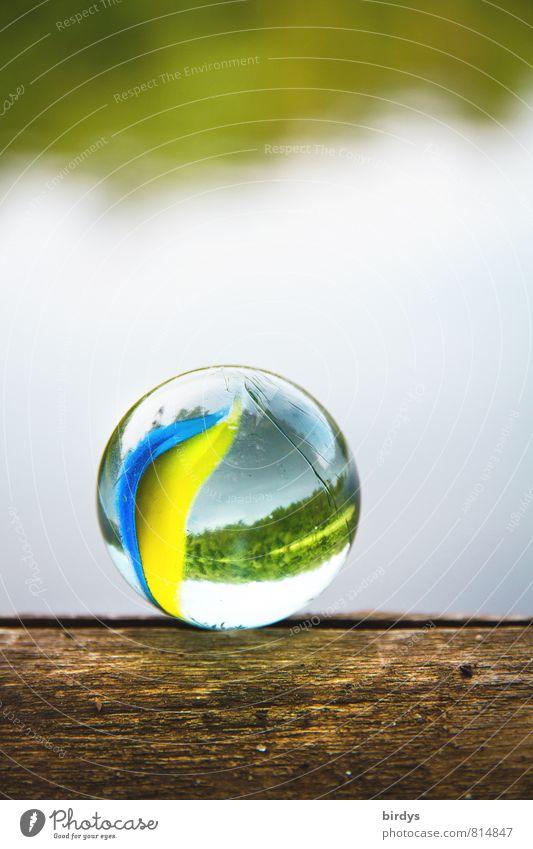 Murmel am See Kinderspiel Frühling Sommer Herbst Seeufer Glaskugel ästhetisch positiv rund schön Fröhlichkeit ruhig Farbe Zufriedenheit Kindheit rein