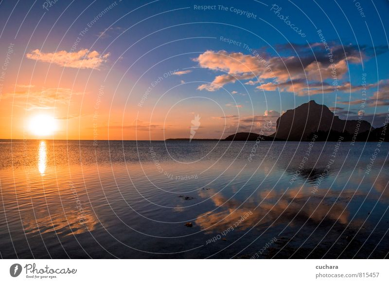 Sonnenuntergang über dem Meer Natur Landschaft Erde Luft Wasser Himmel Wolken Nachthimmel Horizont Sonnenaufgang Sonnenlicht Le Morne Brabant Mauritius Afrika
