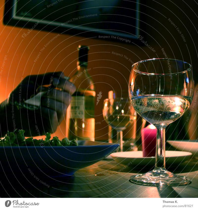 Dinner for Two Hand Ernährung Glas Essen Lebensmittel Schilder & Markierungen Tisch Kochen & Garen & Backen Kerze trinken Romantik Wein Bild Gastronomie Speise Flasche