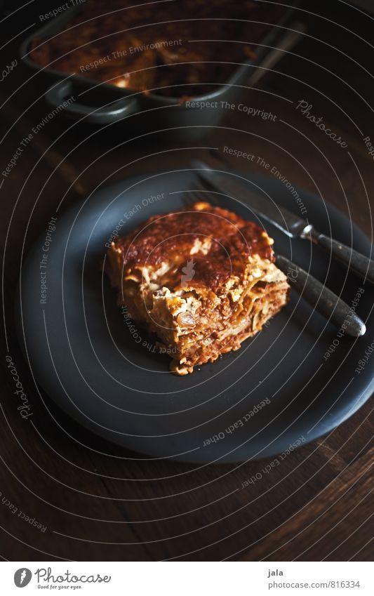 lasagne Gesunde Ernährung natürlich Lebensmittel Ernährung lecker Appetit & Hunger Bioprodukte Teller Backwaren Mittagessen Teigwaren Nudeln Vegetarische Ernährung Besteck Holztisch Italienische Küche