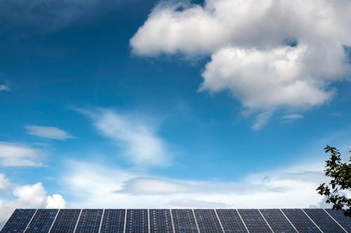 Solar Himmel Natur Wolken Umwelt Energiewirtschaft Technik & Technologie Schönes Wetter Zukunft Dach Wissenschaften Umweltschutz nachhaltig Sonnenenergie