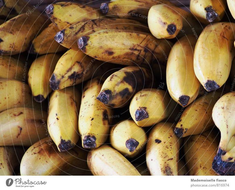Bananas schwarz gelb Frucht Ernährung Bioprodukte Vegetarische Ernährung